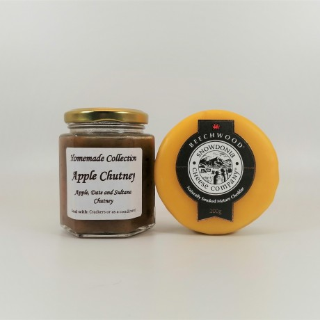 Snowdonia Cheese Beechwood Smoked Cheddar with Apple, Date and Sultana Chutney