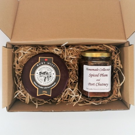 """Snowdonia Cheese Company """"Ruby Mist"""" Mature Cheddar with Port and Brandy and Plum and Port Chutney"""