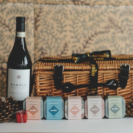 Barolo Wine & Confectionery Hamper