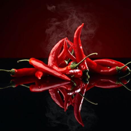 Spice Kitchen International Chilli Collection with 7 Chillies, Storage Tin & Handmade Silk Sari Wrap