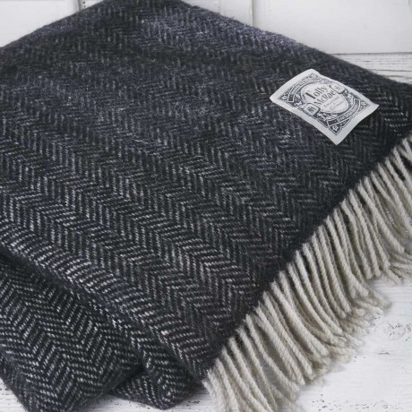 Luxury Wool Picnic Rug - Badger