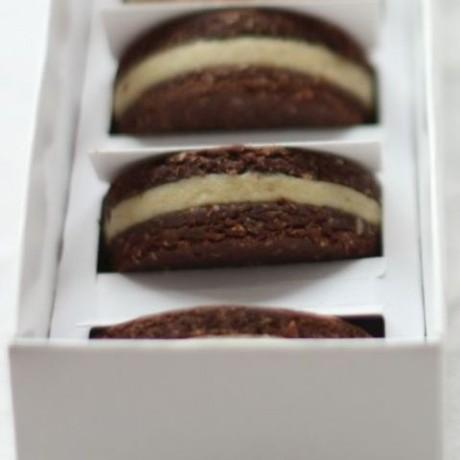 Chocolate Rawreos