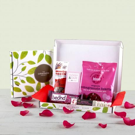 Mini Love Chocolate & Snack Gift Box