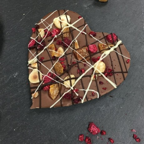 Milk chocolate fruit 7 nut heart