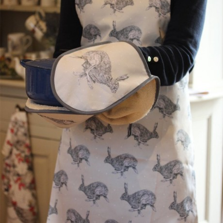 Sarah Boddy Hare Oven Gloves