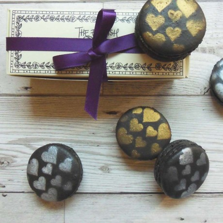 Macaron Selection Box of 5 with Metallic Heart Design