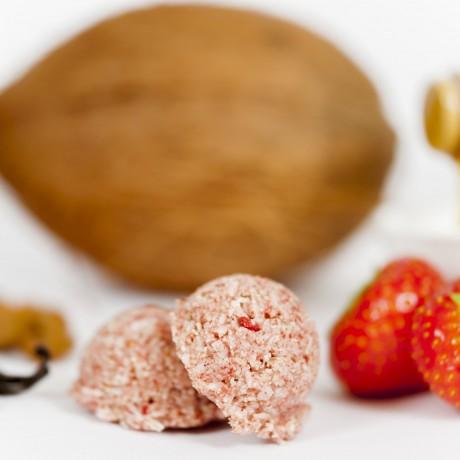 Organic Strawberry Macaroons