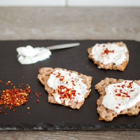 chilli goats cheese crackers