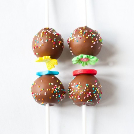 Kids' Party Cake Pops