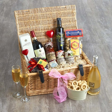 'Mr & Mrs' Deluxe Wedding Hamper