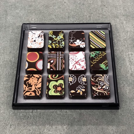 12 Mixed Chocolates