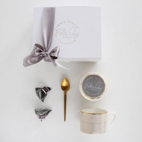 Tea and Cake Gift Box