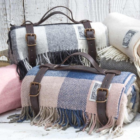 Luxury Checked Picnic Rugs