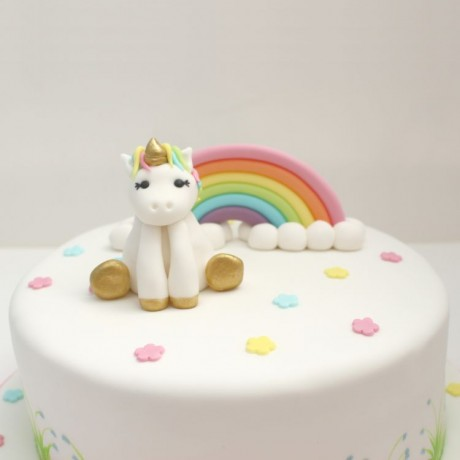 Pastel Unicorn & Rainbow on Cake