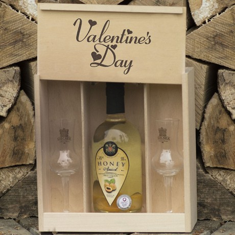 Premium Fruit Liqueur with 2 Tulip glasses in a wooden box for Valentine's Day