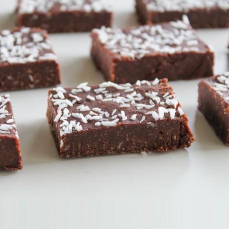 No-Bake Tahini & Coconut Fudge Brownies