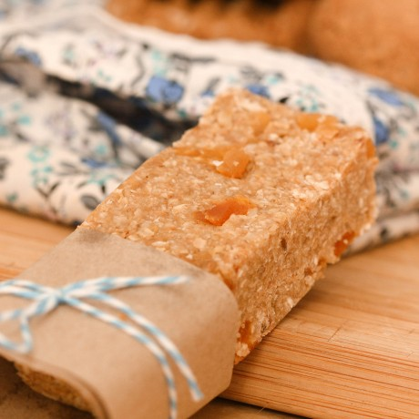 Coconut & Apricots Cereal Bar