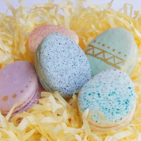 Easter Eggs Macarons