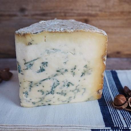 Dorset Blue Vinny Wedge & Chutney Combo