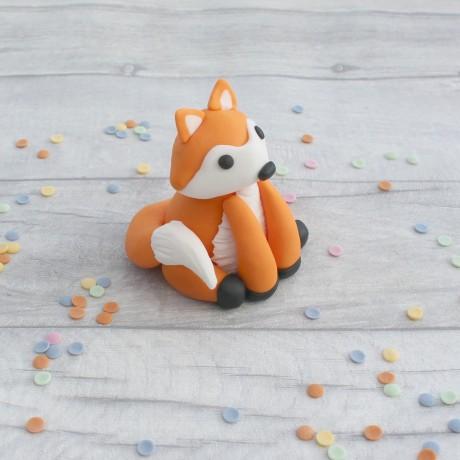 Edible fox cake topper