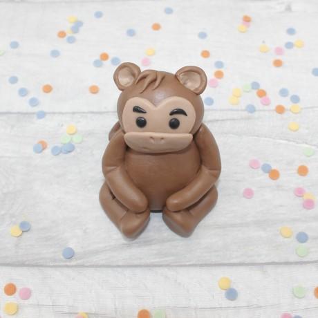Edible monkey cake topper