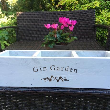 Gin Garden planter in Ivory