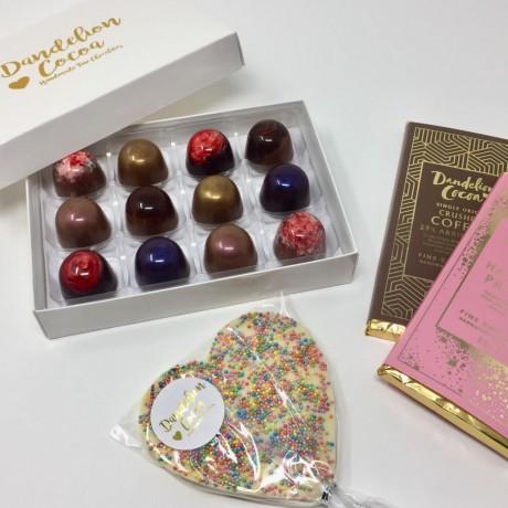 Medium Truffle Box, Chocolate Bars & Lolly Gift Set