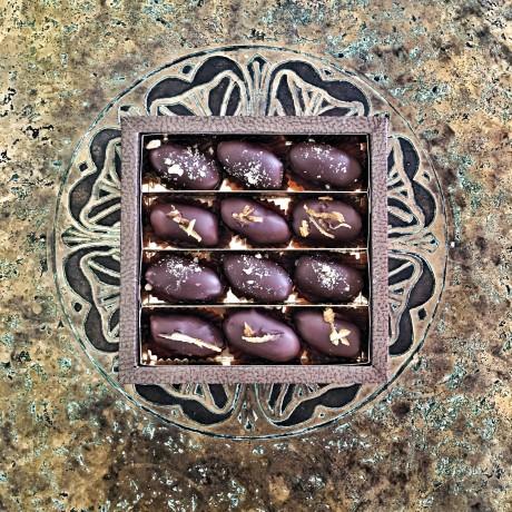 Chocolate Date Dark Chocolate Gift Box