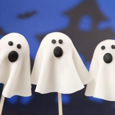 Halloween Ghost Cake Pops