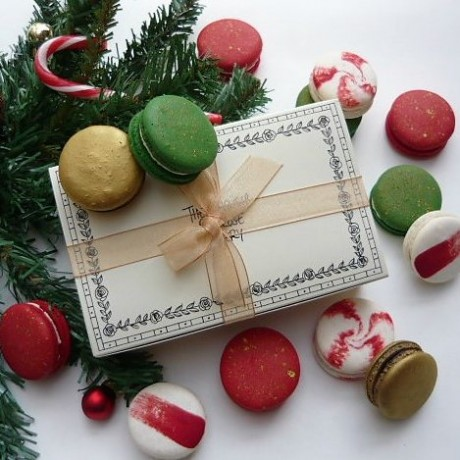 Vegan Christmas Macaron Selection box of 14