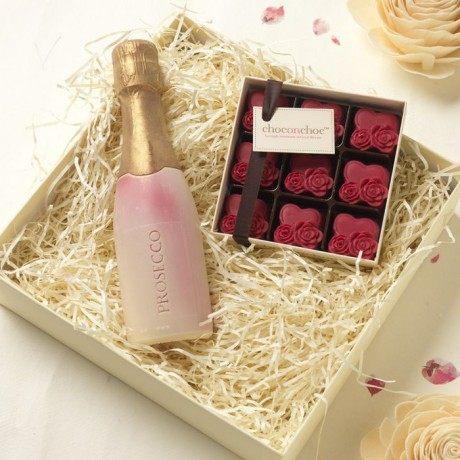 Chocolate Prosecco Bottle And Rose Hearts