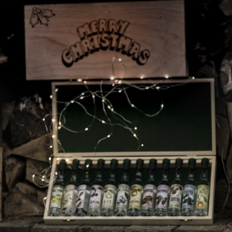 Handcrafted Engraved Christmas 12Pcs Miniature Palinka Selection Gift Box.