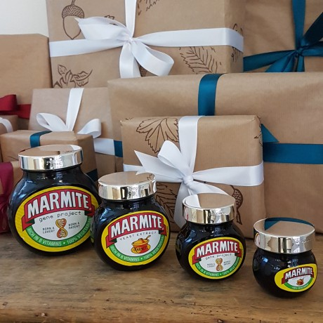 Silver marmite lid with gift wrap