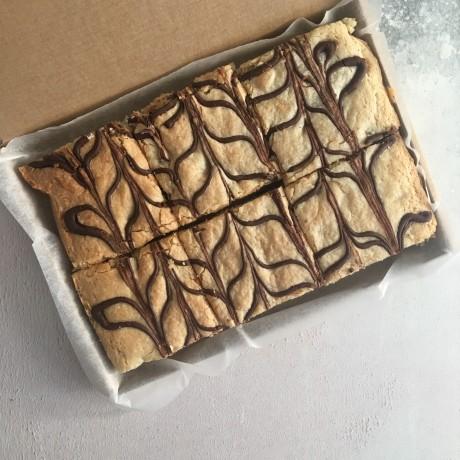 Chocolate Chip Vegan Blondies