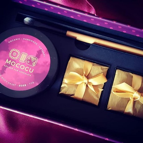 Edible Cacao Body Paint & Chocolates Gift Box
