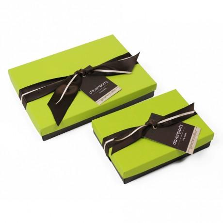 Luxury Handcrafted Chocolate Gift Box: Ganache Truffles