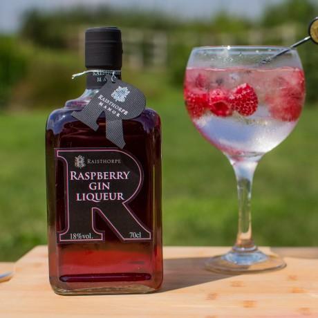 Raspberry Gin Lifestyle