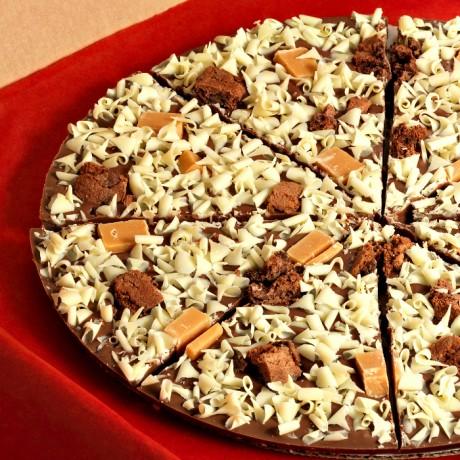 Crunchy Munchy Chocolate Pizza