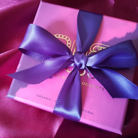 Plastic free gift box
