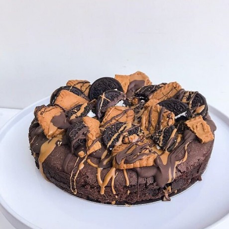 Fully Loaded Brownie Pizza