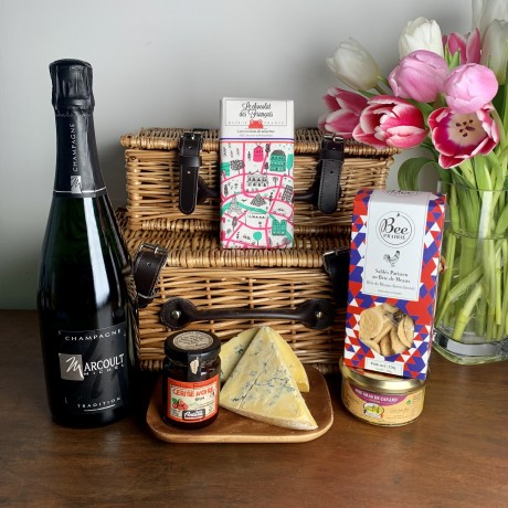 Luxury Gift Hamper with champagne