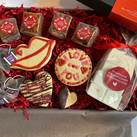 Indulgent Valentines Biscuits, Brownies, Tea and Marshmallows