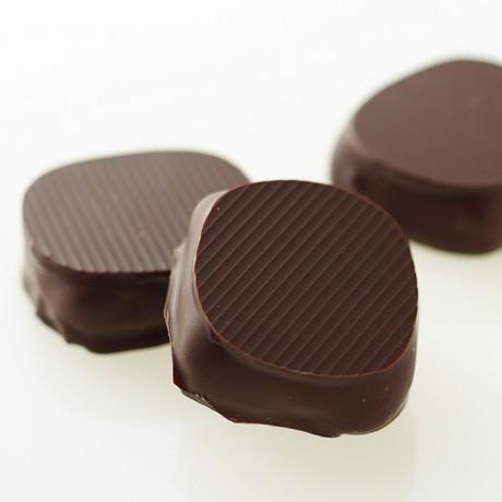 66 % Dark chocolate ganache