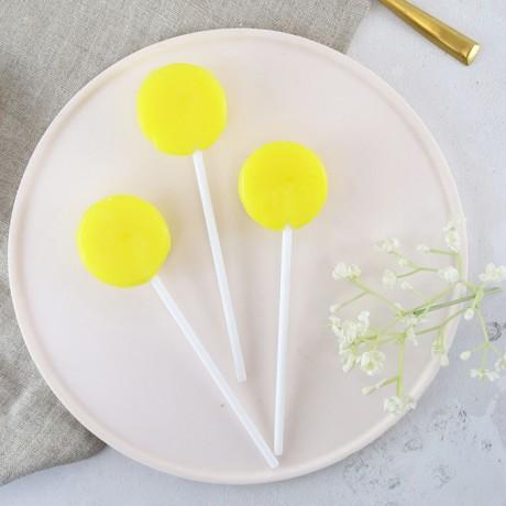 Alcoholic Limoncello Lollipops