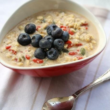 Goji Berry & Pumpkin Seed Instant Porridge