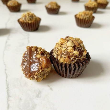 Milk chocolate, coffee & walnut