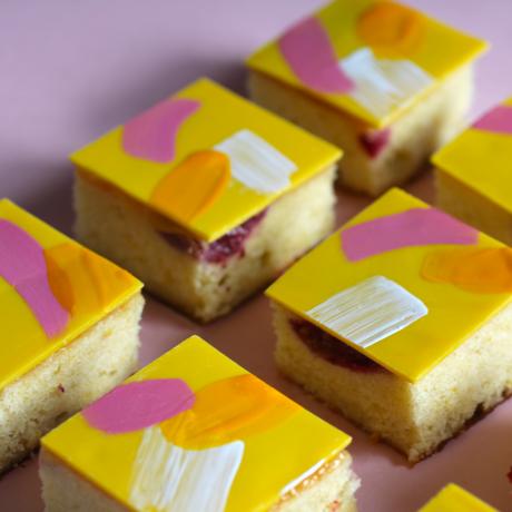 Hot Pink Lemonade Cakes
