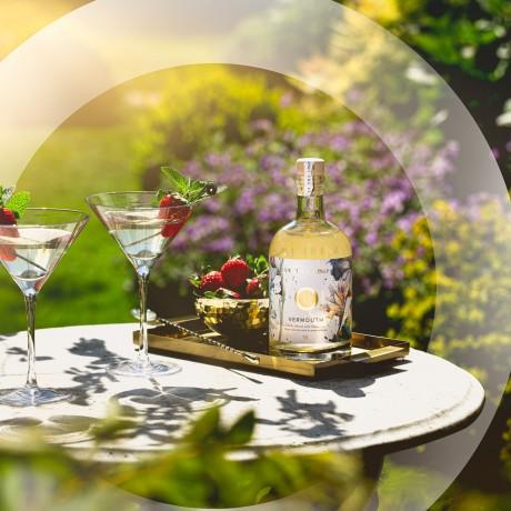 No. 18 dry white English Chardonnay vermouth 500ml