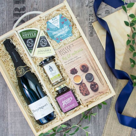 Ford English Wine & Cheese Box