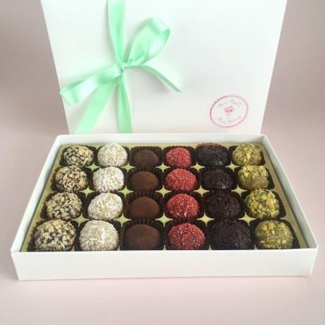 Vegan Brigadeiro Truffles I Gift box of 24